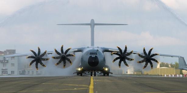 FRANCE-MILITARY-AIRCRAFT-A400M