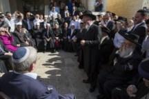 Rencontre responsables religieux à la synagogue Kehilat Yaakov