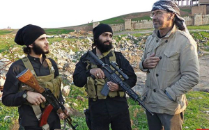 German journalist Jürgen Todenhöfer with two Islamic State fighters in northern Iraq.