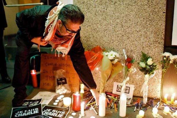 00 Charlie Hebdo terakt 03. 10.01.15