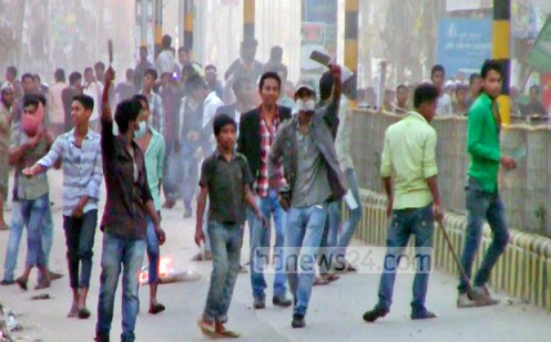 06_Feni+Chatrodal+and+Police+Clash_02012015_0003