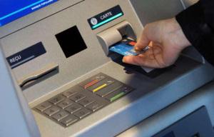 carte-bancaire-distributeur-billets